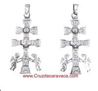 CRUZ DE CARAVACA DE PLATA CON ANGELES RELICARIO