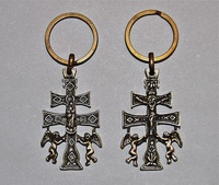 KEY CROSS CARAVACA ANGELES CASTING WITH A RELIEF TO TWO FACES