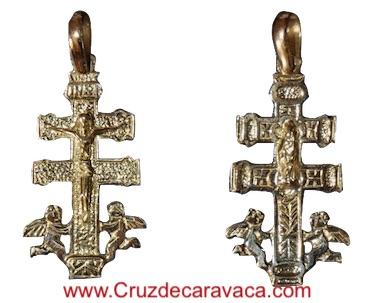 CRUZ CARAVACA DE ORO CON CRISTO ANGELES A DOS CARAS ANVERSO Y REVERSO