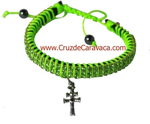 PULSERA CRUZ DE CARAVACA CON CRISTALES STRASS AJUSTABLE VERDE FLUOR