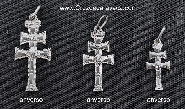 CROCE CARAVACA D'ARGENTO DISEGNO DIFFERENTE SU OGNI LATO