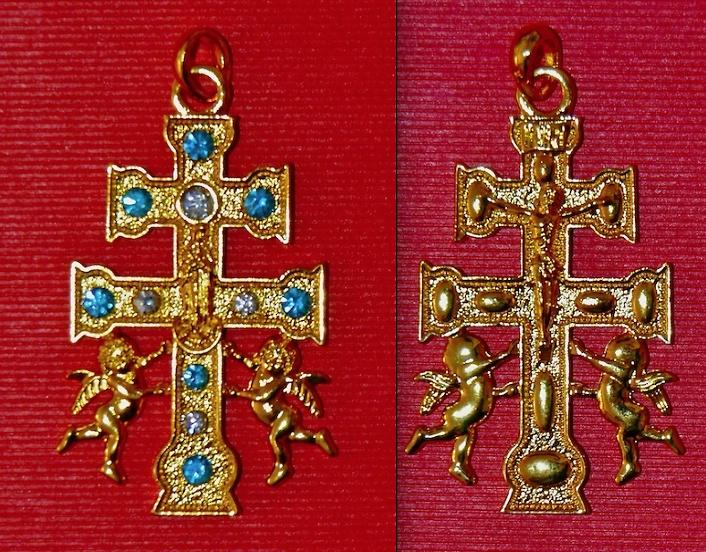 CROCE Caravaca con angeli e nastri azzurri E BIANCO PER ELIMINARE