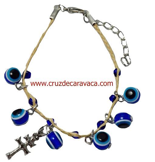 ceb3c73ba9e8 PULSERA OJO TURCO DE CRISTAL Y CRUZ DE CARAVACA CORDÓN ARTESANAL