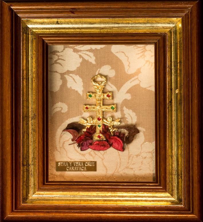 TABLE CROSS OF CARAVACA WITH CRUZ DE METAL ENAMELED