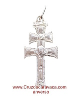 CRUZ DE CARAVACA DE PLATA CON DISTINTO DISEÑO EN CADA LADO