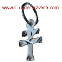 CRUZ DE CARAVACA TALLADA A MANO  PEQ. ES AUTENTICA ARTESANIA EN PLATA DE 925 ML