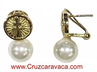 GOLD EARRINGS CROSS OF WOMAN CARAVACA IN GOLD AND PEARLS