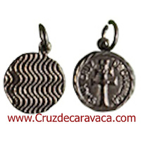 MEDALLA CRUZ DE CARAVACA METAL NIQUELADO