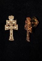 PINS CROSS OF CARAVACA  GOLD METAL