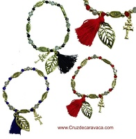 PULSERAS DE LA CRUZ DE CARAVACA CON HOJA Y BORLA -SET 3-